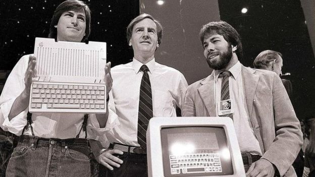 3249ccd09bd Steve Wozniak: Shocked and amazed by Steve Jobs movie - BBC News