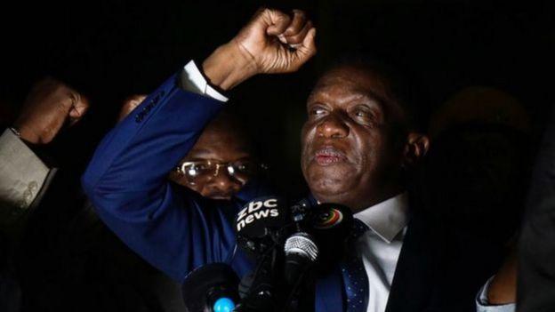 Baadari kallarka cad dib u gashtay ka dib markii uu Mugabe is casilay