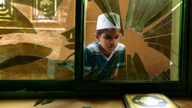 мальчик в мечети