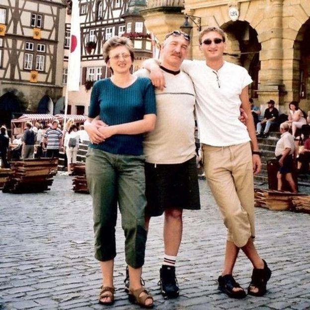波兹尼亚斯基一家度假照片——朱莉亚,弗拉德和巴鲁克。