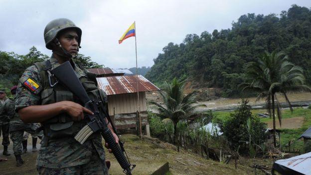 Soldado ecuatoriano en Carchi.