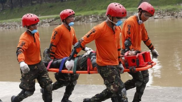 Philippine Army soldiers practice skills in land and water rescue in times of disaster such as earthquakes and typhoons, along the banks of the Marikina River, east of Manila, Philippines, 13 September 2018.