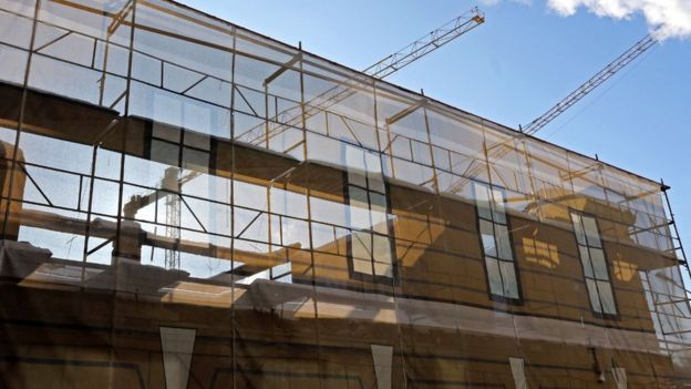 Вид на строящееся здание новой сцены Академического Малого драматического театра на Звенигородской улице в Санкт-Петербурге