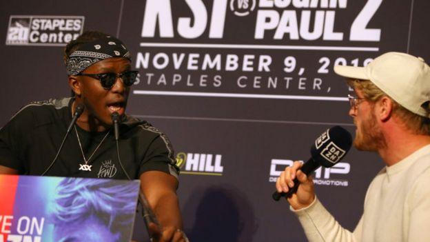KSI y Logan Paul en la conferencia de prensa previa al combate.