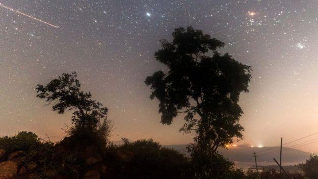Una lluvia de estrellas gemínidas