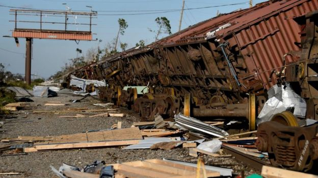 قطار انقلب عن مساره في بنما سيتي بولاية فلوريدا