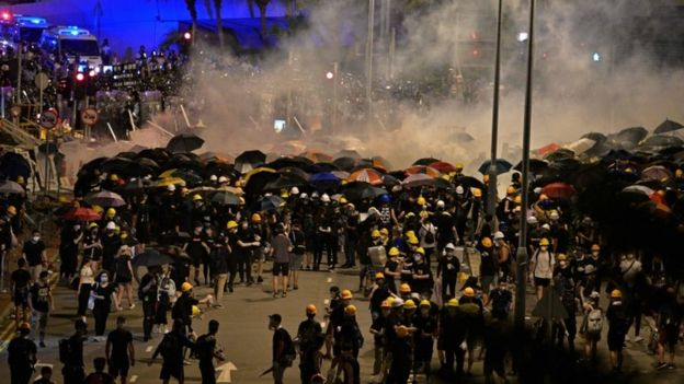 Police fire tear gas at Hong Kong protesters