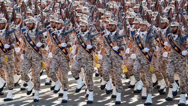 IRGC හමුදාව සතුව තමන්ගේම නාවික හා ගුවන් හමුදා ඇති අතර උපක්රමික අවි අධීක්ෂණය කරයි.