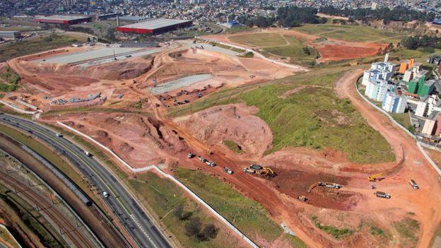 Foto aérea de 2011 mostra terreno onde mais tarde foi construída a Arena Corinthians
