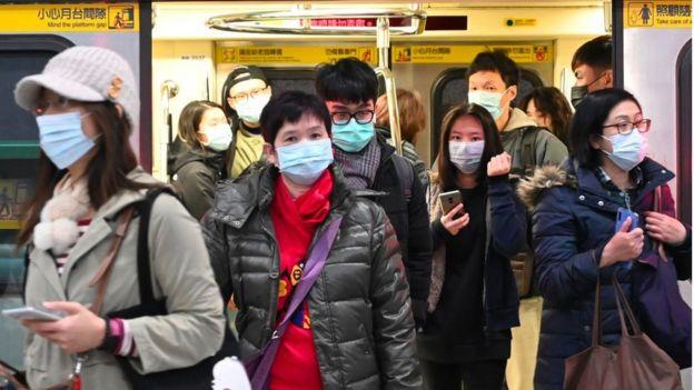 專家們懷疑,新型冠狀病毒的致死率可能低於近年來爆發的其他傳染病,如非典型肺炎(SARS)。