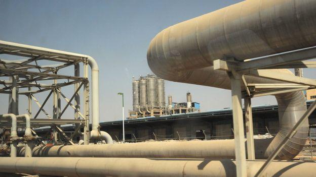 رویترز: آمریکا صادرات نفت ایران را بازهم کاهش میدهد اما صفر نمیکند