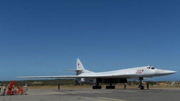 Bombardero Tupolev 160 de diseño soviético.