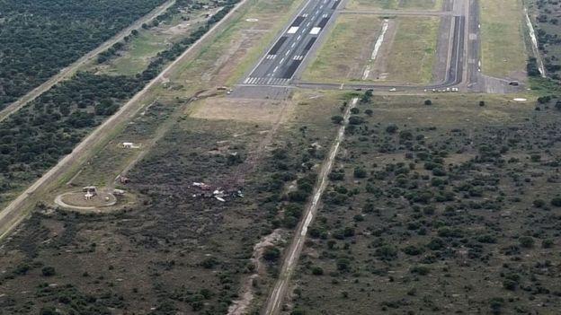 Avião caído próximo a pista no México