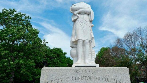 تمثال لكريستوفر كولومبوس