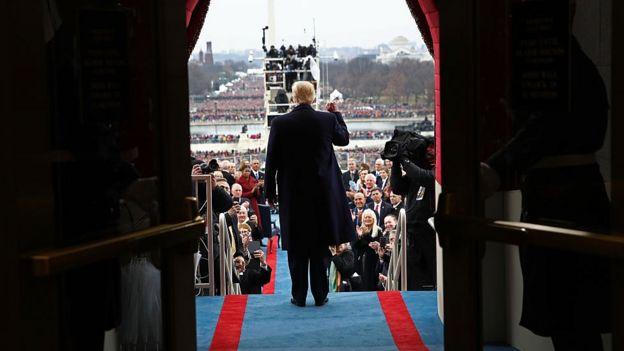 El presidente Donald Trump durante el discurso de toma de posición.