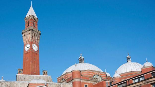 Старий Джо - найвища серед британських годинникових веж, що стоять окремо
