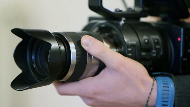 Cámara de video.