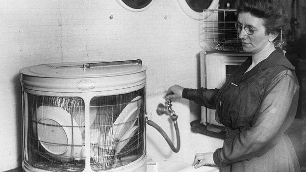 早期洗碗機是這樣的