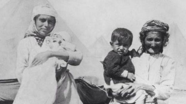 Армяне в лагере беженцев, 1915 год