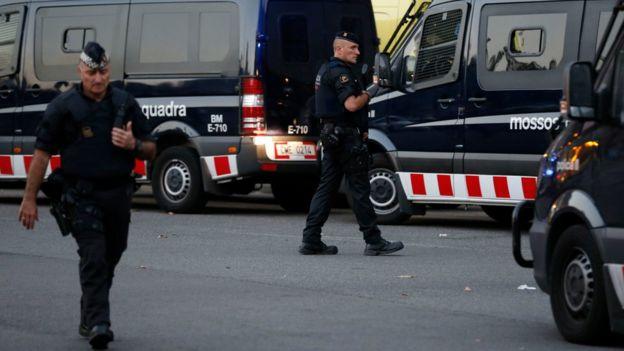 Policías catalanes