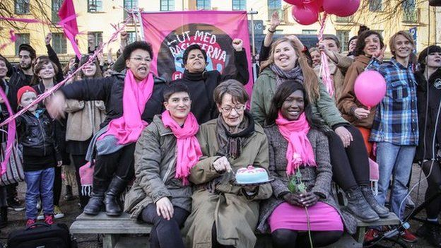 F! celebrated its 6,000 members with birthday cake at Nytorget