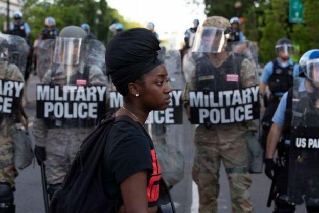 ناآرامی نژادی در آمریکا؛ آیا دونالد ترامپ حق اعزام ارتش را دارد؟ جیک هورتون، بخش راستی آزمایی بیبیسی