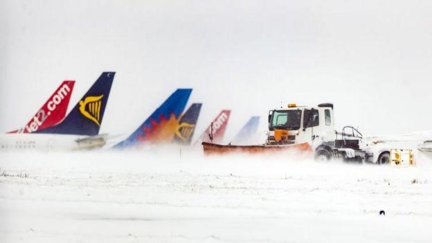 ألغي أكثر من 4000 رحلة طيران في عموم أوروبا منذ يوم الثلاثاء
