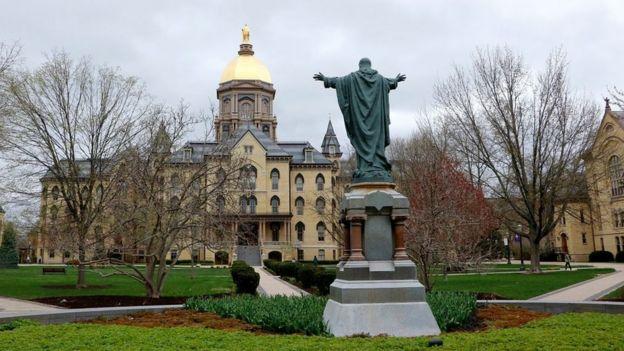 La localidad de South Bend (Indiana) es conocida principalmente por ser la sede de la Universidad de Notre Dame.