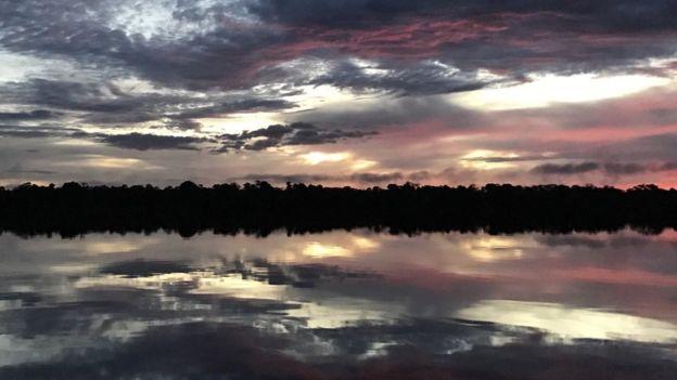 Pôr do sol na Terra Indígena Alto Rio Negro