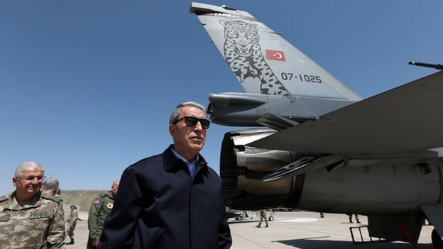 Hulusi Akar, F-35'lerin getirileceği Malatya 7. Ana Jet Üssü Komutanlığı'nda incelemede bulundu