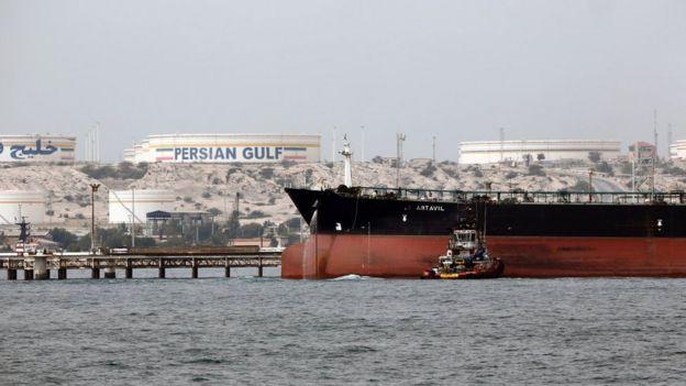 تحریم های آمریکا بر بانک مرکزی ایران با هدف محدود کردن درآمد نفتی این کشور طراحی شده بودند