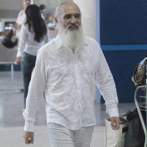 Prem Baba no aeroporto