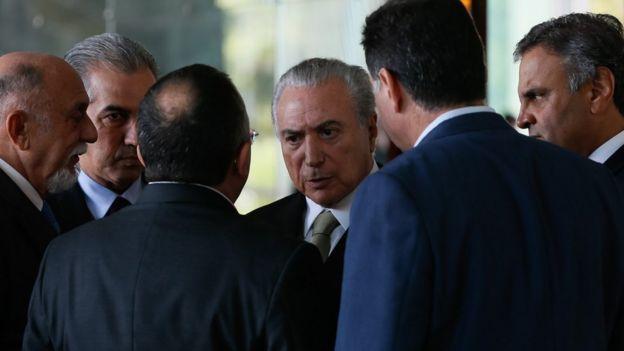 Michel Temer, Aécio Neves e outras lideranças do PSDB