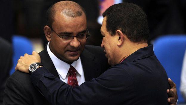 Chávez con el entonces presidente de Guyana Bharrat Jagdeo en 2010.