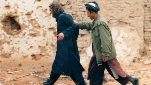 John Walker Lindh é capturado em 2001
