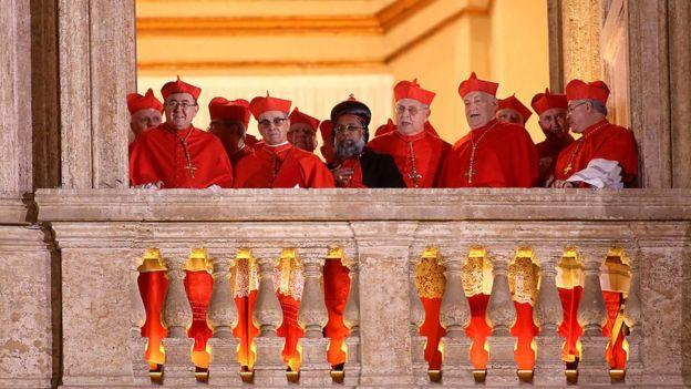 Cardenales en el cónclave del Vaticano de 2013.