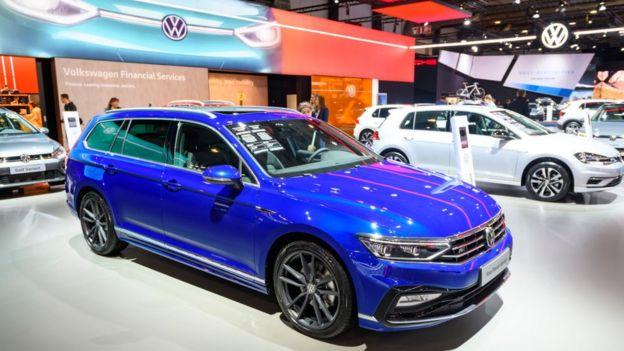 Nuevos Volkswagen en una feria automotriz