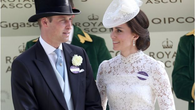 Кейт Миддлтон и иные члены королевской семьи наскачках