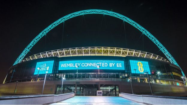 BTs £12.5bn takeover of EE cleared by competition