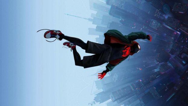 O heró em uma cena de 'Homem-Aranha: No Aranhaverso'