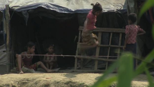 Rohingya children playing