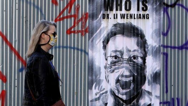 捷克首都布拉格街头的李文亮医生像。
