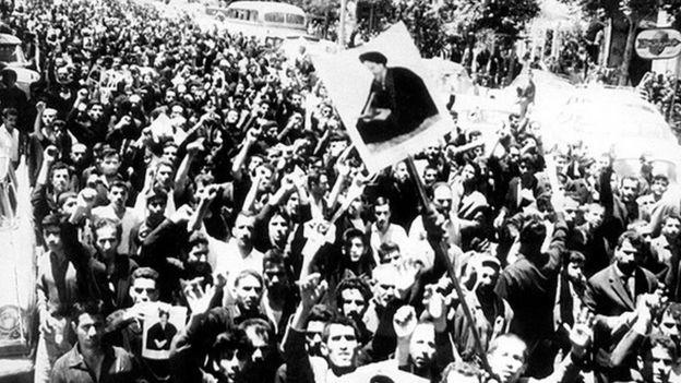 در چند سند جدید آمده که موعد اصلی 'قیام' طرفداران آیت الله خمینی حول و حوش روز اربعین آن سال بوده که دستگیری او برنامه آنها را بر هم زد