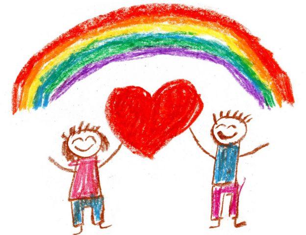 Dibujo de dos niños con la bandera gay.