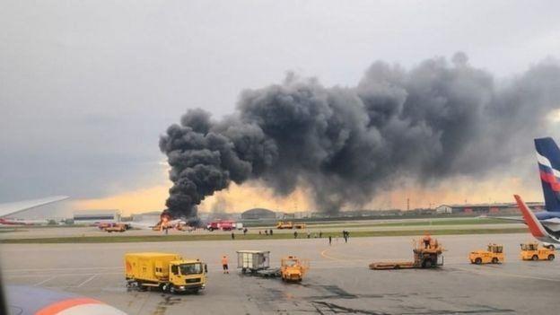 مصر وروسيا توقعان مذكرة تفاهم لتوريد الطائرات المدنية سوخوى سوبرجيت 100   _106807698_d1b9fd67-4548-4bba-a36a-bb90fa97adc5