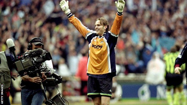 Former Manchester City goalkeeper Nicky Weaver