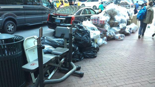 Una máquina de hacer ejercicio en la basura en Nueva York