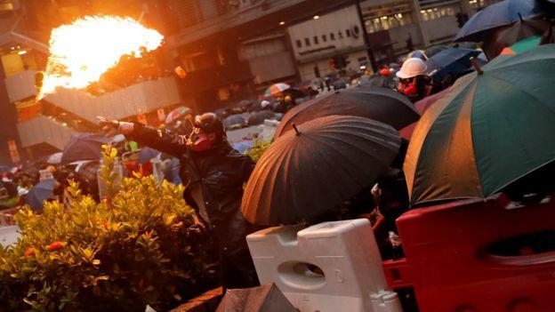 英国官员多次评论香港示威浪潮,引起中国政府不满。