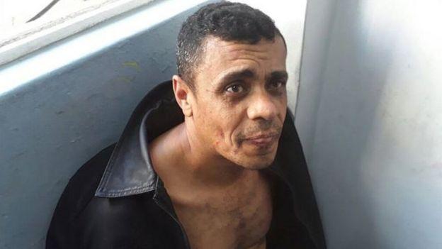 Adelio Oliveira ao ser preso