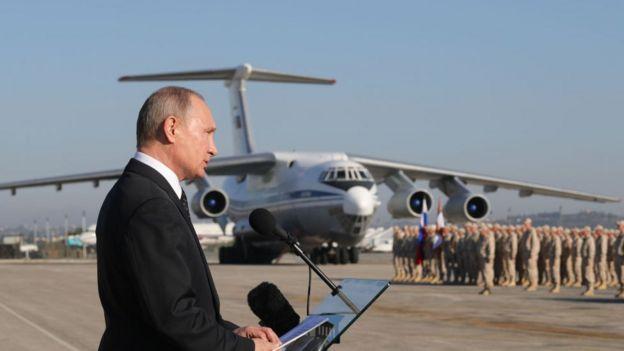 Путин на авиабазе Хмеймим